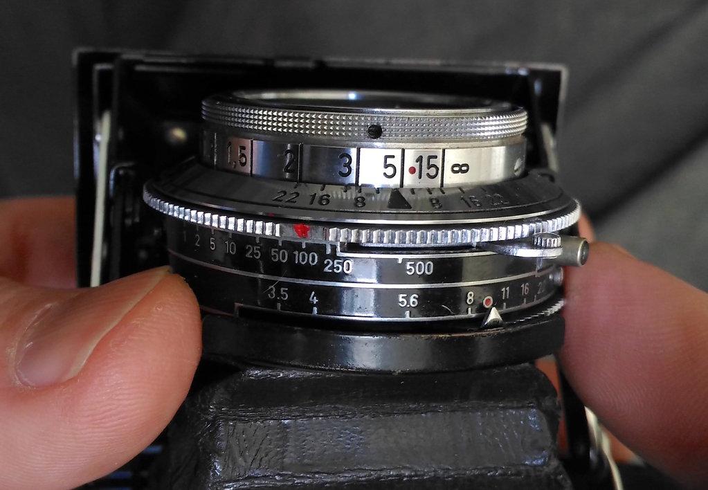 Lens & shutter - Zeiss Super Ikonta III